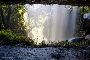 12 20170410 1326 Wasserfall DSC 6719 hinter dem Wasser