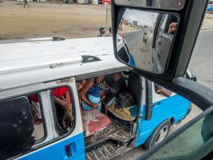 29 20171230-DSC00546-Menschen-Minibus