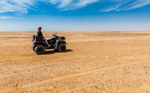 20180104-DSC 8389-Ernstli-Gabi in der Wüste